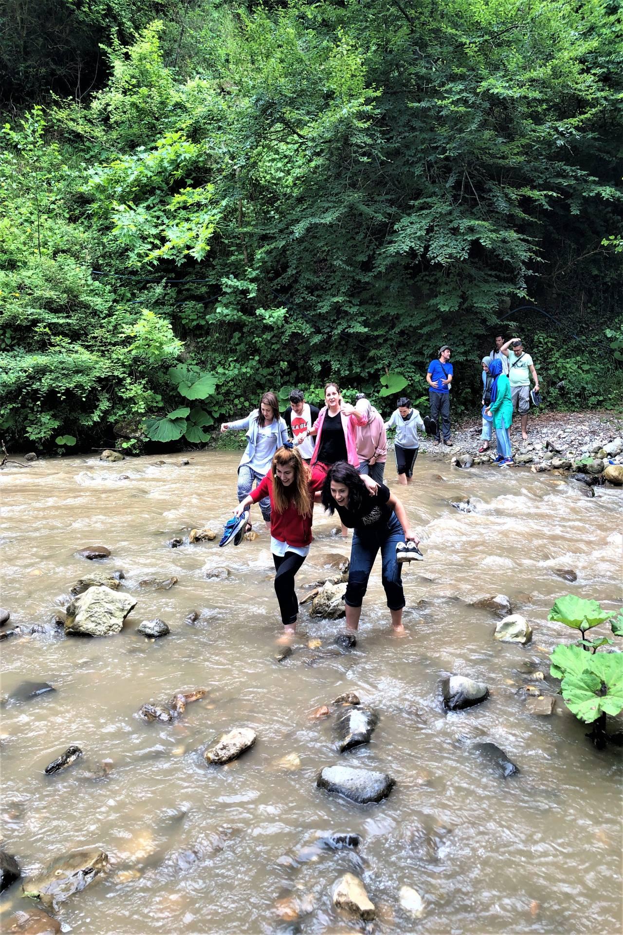 Doğayı keşfet kampı, trekking