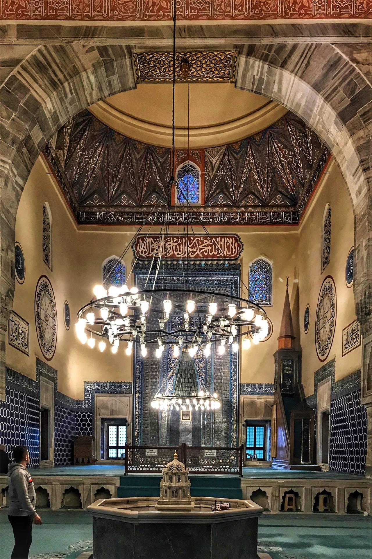 Bursa camileri